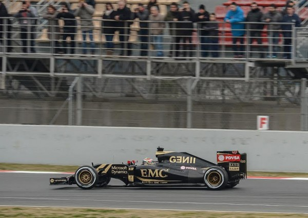F1-2015-MONTMELO-LOTUS-MERCEDES-de-PASTOR-MALDONADO-Photo-Antoine-CAMBLOR