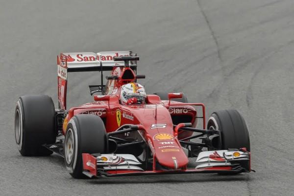 F1-2015-MONTMELO-La-FERRARI-SF15-T-de-Sebastian-VETTEL-Photo-Antoine-CAMBLOR.