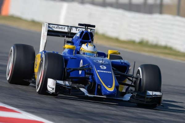 F1-2015-MONTMELO-Samedi-28-fevrir-MARCUS-ERICCSON-et-la-SAUBER-FERRARI-Photo-Antoine-CAMBLOR