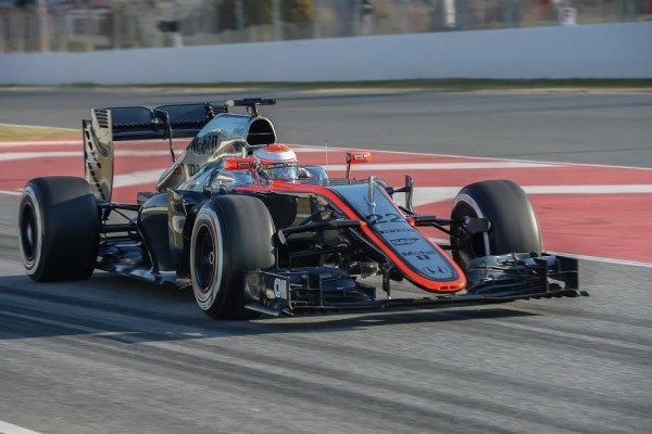 F1-2015-MONTMELO-Team-McLAREN-HONDA-JENSON-BUTTON-Photo-Antoine-CAMBLOR