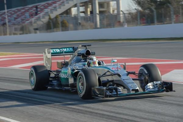 F1-2015-MONTMELO-Test-21-février-MERCEDES-Lewis-HAMILTO