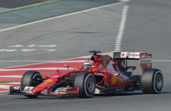 F1-2015-MONTMELO-Test-20-Février-SCUDERIA-FERRARI-KIMI-RÄIKKONEN-Photo-Antoine-CAMBLOR.