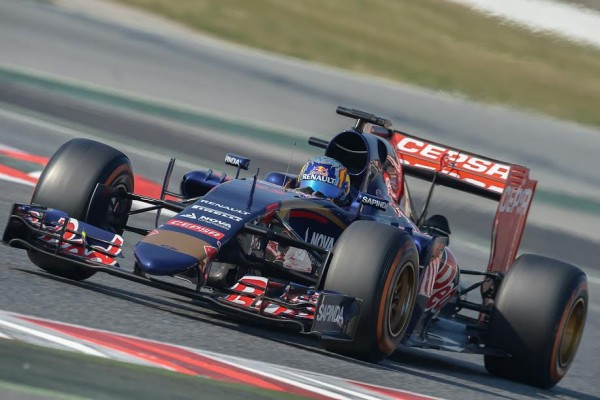 F1-2015-MONTMELO-Test-20-Février-SCUDERIA-TORO-ROSSO-et-CARLOS-SAINZ-Junior-Photo-Antoine-CAMBLOR.
