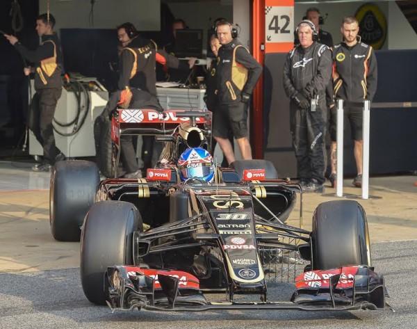 F1-2015-MONTMELO-Test-20-Février-Team-LOTUS-JOLYON-PALMER-Photo-Antoine-CAMBLOR.