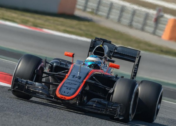 F1-2015-MONTMELO-Test-20-Février-Team-McLAREN-HONDA-FERNANDO-ALONSO-Photo-Antoine-CAMBLOR
