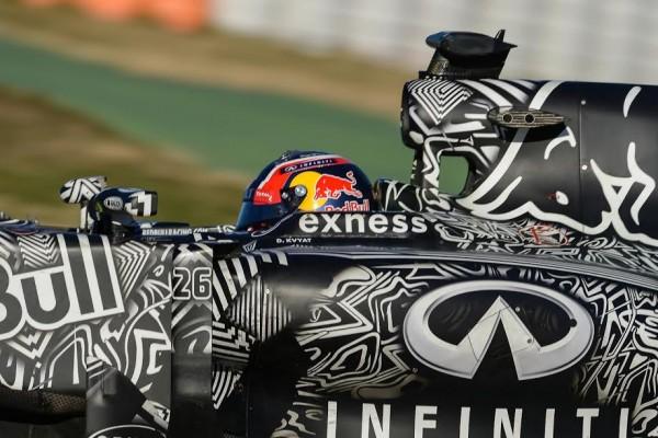 F1-2015-MONTMELO-Test-22-février-DANIIL-KVYAT-Photo-Antoine-CAMBLOR