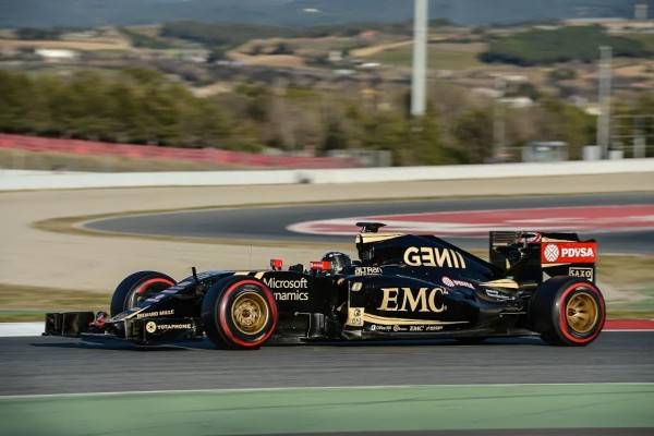 F1 2015 MONTMELO - Test 22 février - ROMAIN GROSJEAN LOTUS MERCEDES - Photo Antoine CAMBLOR.