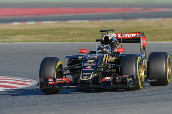F1-2015-MONTMELO-Test-22-février-ROMAIN-GROSJEAN-LOTUS-Photo-Antoine-CAMBLOR.