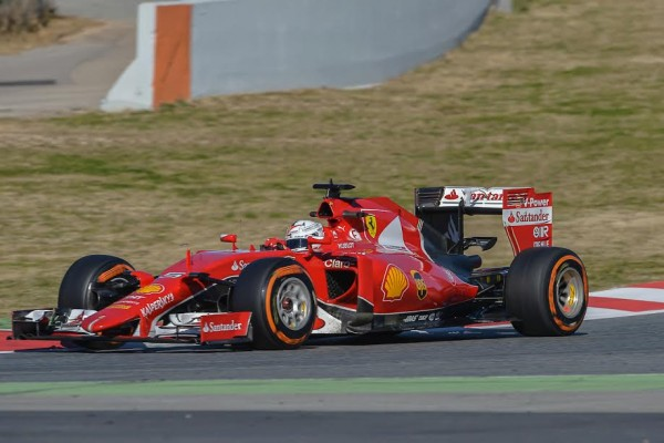 F1 2015 MONTMELO - Test 22 février - VETTEL- Photo Antoine CAMBLOR.