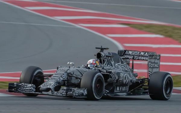 F1-2015-MONTMELO-Test-26-fevrier-KVYAT-Photo-Max-MALKA