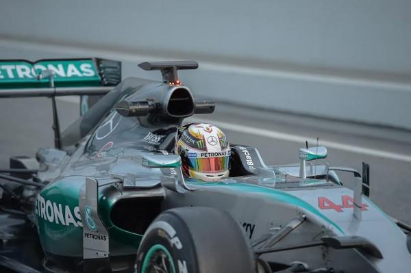 F1-2015-MONTMELO-Test-Samedi-21-fevrier-LEWIS-HAMILTON-Photo-Antoine-CAMBLOR.
