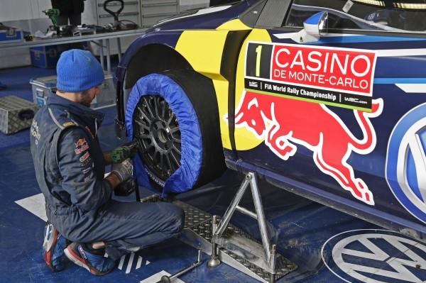 MONTE CARLO 2015 - Montage des pneumatiques MICHELIN
