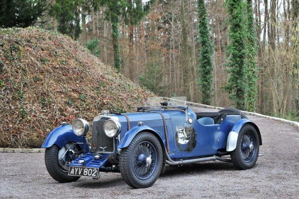 RETROMOBILE-2015-Stand-FISKENS-Aston-Martin-Le-Mans-2-4-châssis-court-de-1933.