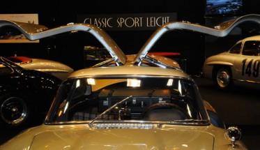SALON RETROMOBILE 2015- Stand MERCEDES 300 SL -  Mercedes Classic Sport Leicht Photo Patrick MARTINOLI