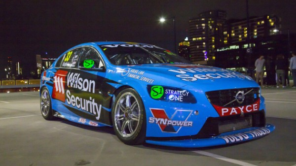 V8-SUPERCAR-2015-La-nouvelle-decoration-des-VOLVO-du-Team-POLESTAR-GRM