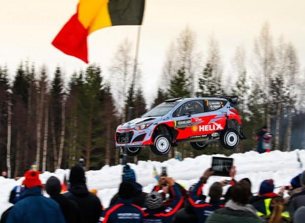 WRC-2015-Rallye-de-SUEDE-Thierry-NEUVILLE-et-sa-HYUNDAI-I20WRC