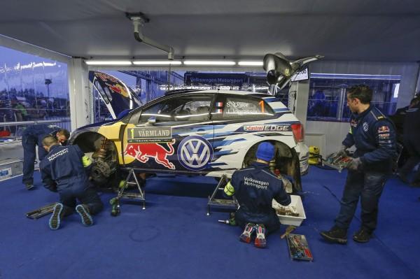 WRC 2015 SUEDE ASSISTANCE equipe VOLKSWAGEN autour de la VW POLO de Seb OGIER