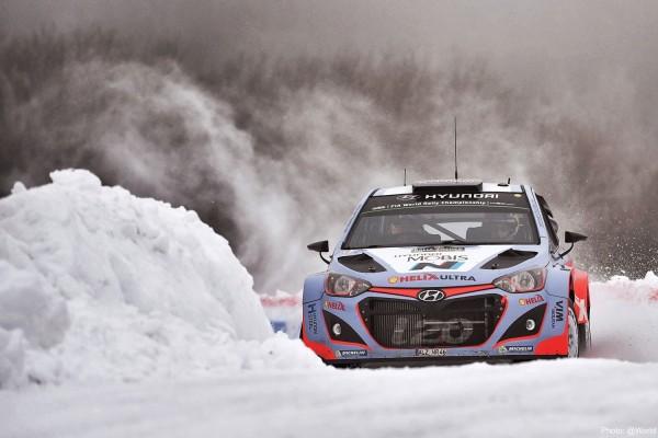 WRC-2015-SUEDE-HYUNDAI-i20WRC-de-Thierry-NEUVILLE.