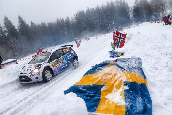 WRC-2015-SUEDE-La-FORD-FIESTA-S2000-de-TINDEMAND