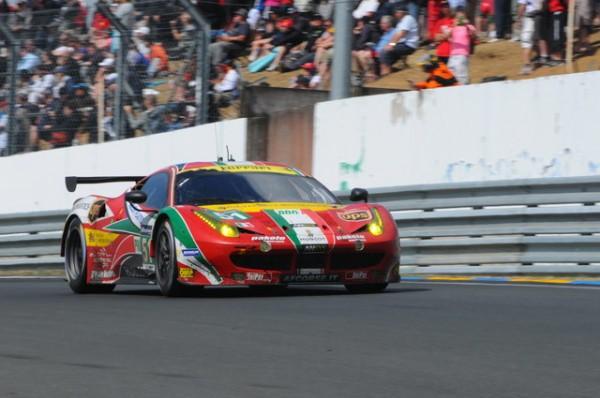 24-H-du-MANS-2014-le-travail-de-sape-réalisé-par-la-Ferrari-AF-Corse-aura-laminé-la-concurrence-Photo-Patrick-Martinoli