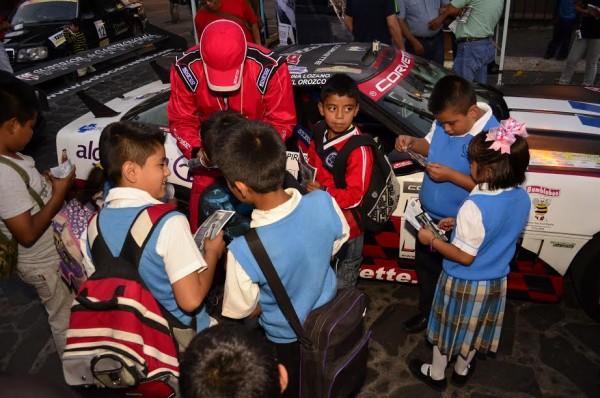 EL-GOLFO-2015-Toujours-le-même-enthousiasme-aux-arrivées-même-de-la-part-des-enfants.
