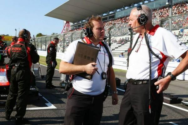F1-2013-MARUSSIA-Dave-Greenwood-Marussia-F1-Team-Race-Engineer-et-John-Booth-Marussia-F1-Team-Team-Principal