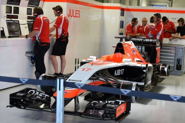 F1-2014-SOTCHI-Le-stand-MARUSSIA-HOMMAGE-AU-GRAND-ABSENT