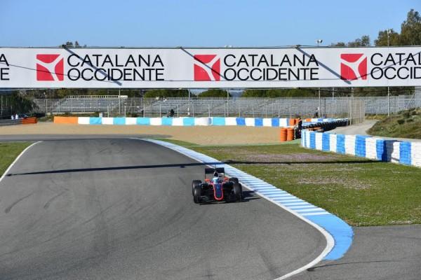 F1-2015-JEREZ-Dimanche-1er-fevrier-Fernando-ALONSO-et-sa-McLAREN-HONDA-Photo-Max-MALKA.