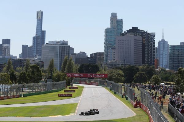F1-2015-MELBOURNE-LOTUS-MERCEDES