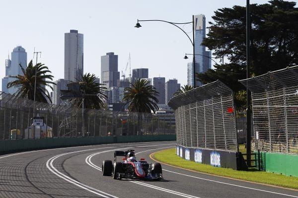 F1-2015-MELBOURNE-McLAREN-HONDA-de-JENSON-BUTTON.