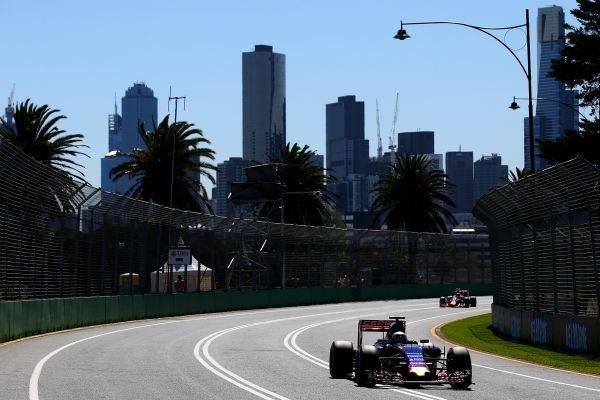 F1-2015-MELBOURNE-TORO-ROSSO-RENAULT-de-CARLPOS-SAINZ-Junior