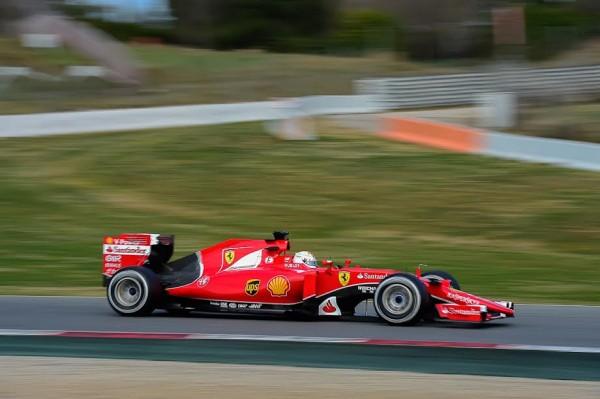 F1-2015-MONTMELO-Dimanche-1er-mars-FERRARI-VETTEL-Photo-Antoine-CAMBLOR.