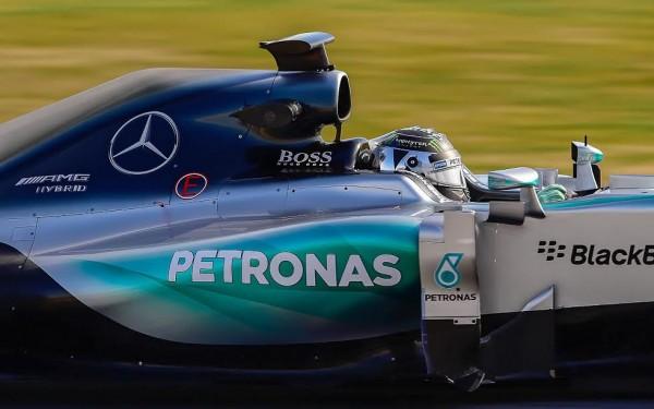 F1-2015-MONTMELO-Dimanche-1er-mars-La-MERCEDES-avec-NICO-ROSBERG-pendant-les-derniers-essais-Photo-Antpoine-CAMBLOR.