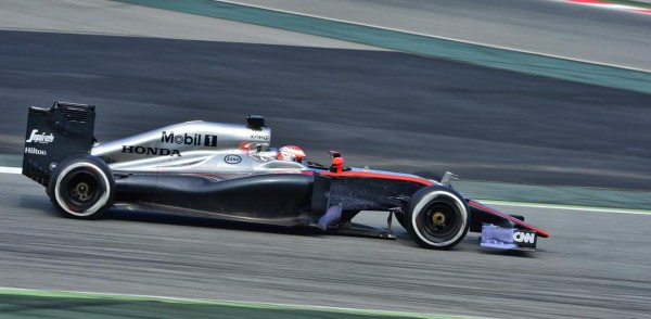 F1-2015-MONTMELO-La-McLAREN-HONDA-de-BUTTON-Photo-MAX-MALKA
