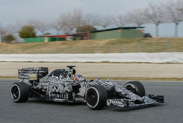 F1-2015-MONTMELO-TEAM-RED-BULL-RENAULT-Le-jeune-RUSSE-DANIIL-KVYAT-Photo-Antoine-CAMBLOR.