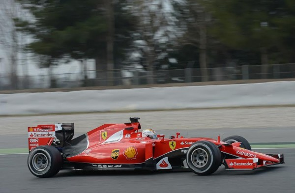 F1-2015-MONTMELO-Test-22-février-Seb-VETTEL-FERRARI-Photo-Antoine-CAMBLOR.