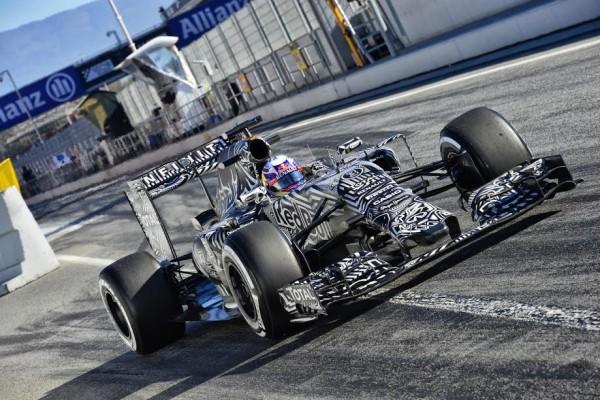 F1 2015 MONTMELO - Test Samedi 28 fevrier - FORMULA ONE TESTS DAYS - DANIEL RICCIARDO et la RED BULL - Photo MAX MALK