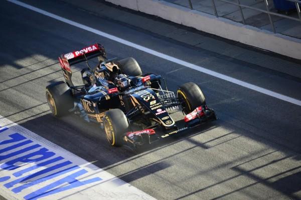F1-2015-MONTMELO-Test-Samedi-28-fevrier-FORMULA-ONE-TESTS-DAYS-ROMAIN-GROSJEAN-LOTUS-MERCEDES-Photo-MAX-MALKA