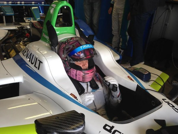 FORMULE-E-2015-MICHELA-CERRUTI-Team-TRULLI-Photo-autonewsinfo