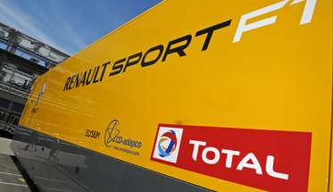CAMION-RENAULT-SPORT-F1