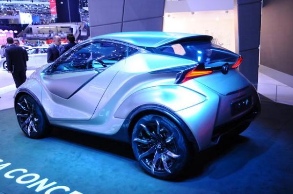 SALON-GENEVE-2015-Concept-car-LESUS