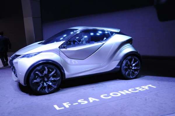 SALON-GENEVE-2015-Concept-car-LEXUS