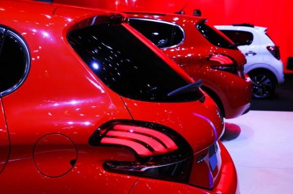 SALON-de-Geneve-2015-Peugeot-208-restylée-Photo-Patrick-martinoli
