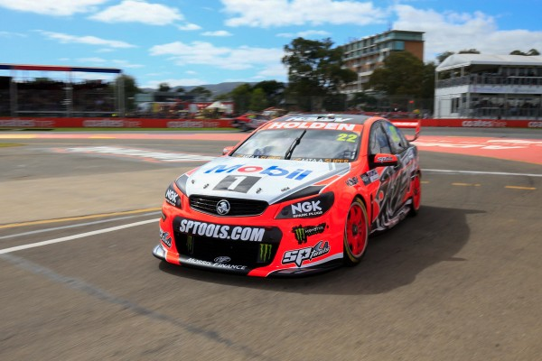 V8 SUPERCAR 2015 CLIPSAL 500 ADELAIDE - JAMES COURTNEY victorieux de la 3éme course