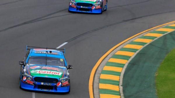 V8-SUPERCAR-2015-GP-AUSTRALIE-MELBOURNE-Les-FORD-de-Mark-WINTERBOTTOM-et-Chaz-MOSTERT-souveraines-et-imbattables