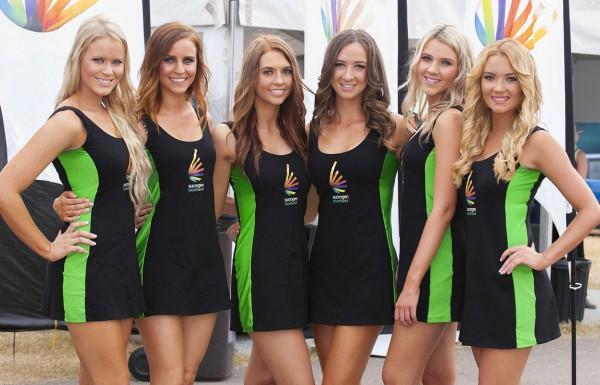 V8-SUPERCAR-2015-GRID-GIRLS