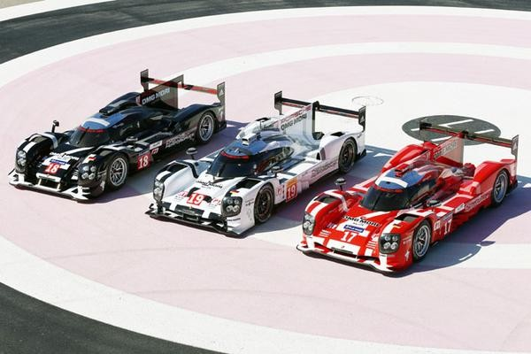 WEC-2015-PAUL-RICARD-PRESNTATION-DES-TROIS-PORSCHE-919-HYBRID Photo Antoine CAMBLOR