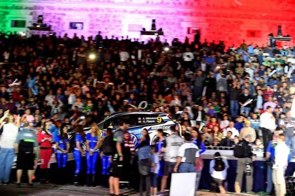 WRC-2015-MEXIQUE-FOLLE-ambiance-pour-le-depart-a-GUANAJUATO