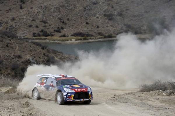 WRC-2015-MEXIQUE-La-DS3-de-CITROEN-Stephane-LEFEBVRE