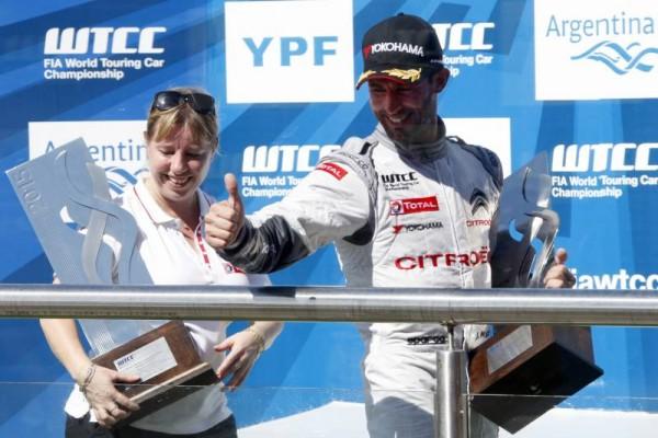 WTCC-2015-ARGENTINE-Le-podium-de-la-1ére-course-avec-LOPEZ-vainqueur.